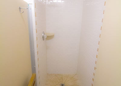 Mens-Restroom-Shower